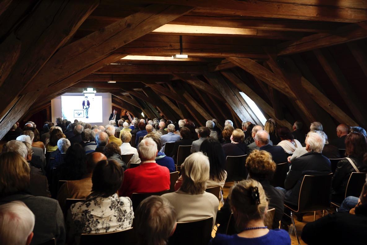 """Vernissage der Ausstellung """"Farbe und Raum. Klaus Heider und Günther C. Kirchberger"""" am 5.5.2017 auf Schloss Filseck."""