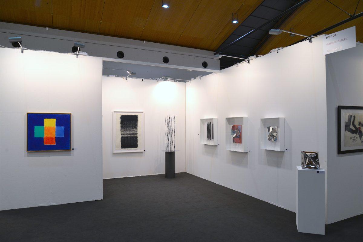 Messepräsentation der Galerie Geiger auf der art Karlsruhe 2018 (mit Werken von Heinz Mack, Christian Megert und Ewerdt Hilgemann)