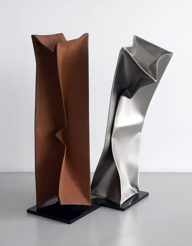 Ewerdt Hilgemann, Dancers (Study for NY), 2014, Edelstahl und Cortenstahl, zwei Teile je 100 x 25 x 25 cm